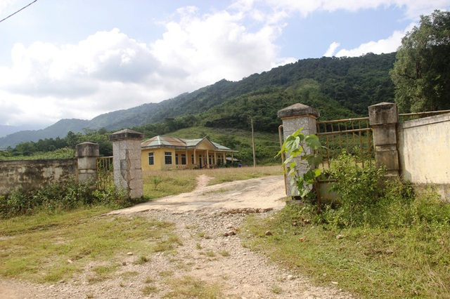 Công trình nhà điều hành tại Làng TNLN được xây dựng nay giao lại cho một hộ dân quản lý.