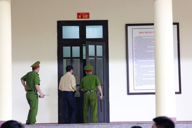 """6 ngày xử vụ """"đánh bạc nghìn tỷ"""": Hai cựu tướng liên tục vào phòng y tế - 1"""