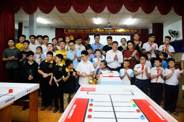 Lễ ra quân cuộc thi Robotics Quốc tế WRO 2018 tại trường THCS Hồng Bàng (TP. HCM)