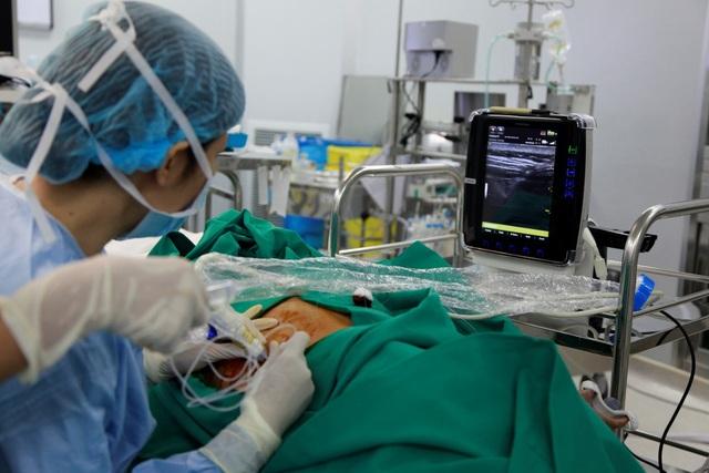 Vinmec đã nâng tầm kỹ thuật ESP với việc tìm ra cơ chế tác dụng, hoàn chỉnh liều tiêm, kỹ thuật tiêm truyền ở mức an toàn nhất, áp dụng điều trị thực tế và đem lại hiệu quả cao.