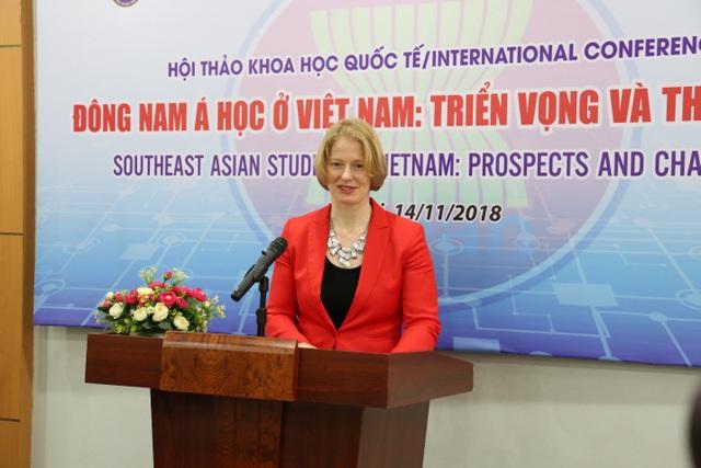 Bà Wendy Matthews, Đại sứ New Zealand tại Việt Nam.