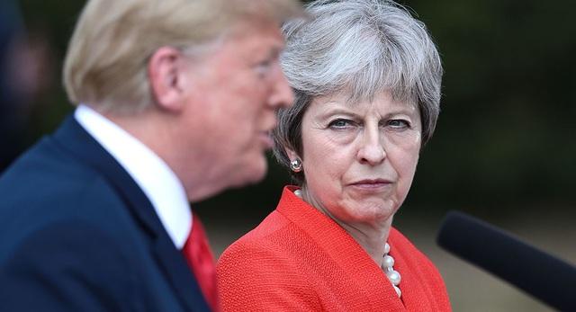 Tổng thống Mỹ Donald Trump và Thủ tướng Anh Theresa May (Ảnh: AFP)