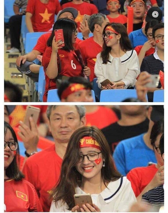 """Cổ động viên xinh đẹp liên tục """"lên sóng"""" trực tiếp trận Việt Nam - Malaysia - 1"""
