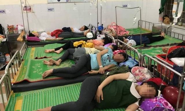150 công nhân nhập viện sau khi ăn cơm trưa khoảng 1 tiếng đồng hồ.