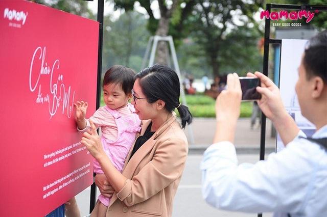 Chào con đến với bố mẹ - triển lãm đường phố có quy mô chưa từng có tại Việt Nam do Mamamy thực hiện