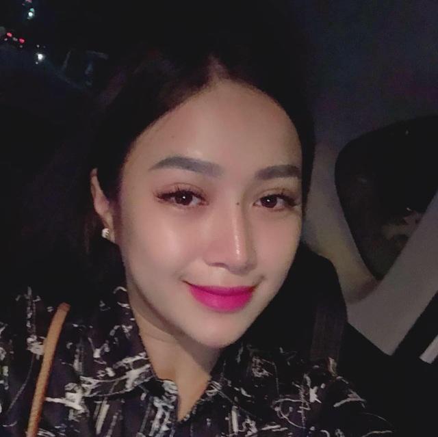 """Cổ động viên xinh đẹp liên tục """"lên sóng"""" trực tiếp trận Việt Nam - Malaysia - 8"""