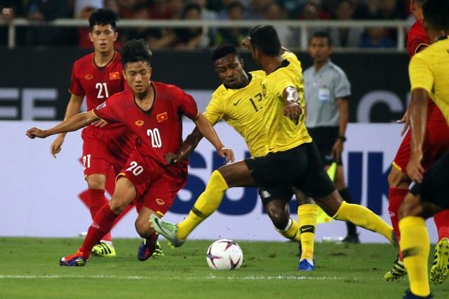 Malaysia thể hiện sự quyết tâm cao đội dù phải chơi tại Mỹ Đình - Ảnh: Gia Hưng