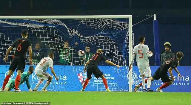 Jedvaj trong tình huống ấn định tỷ số 3-2 cho Croatia