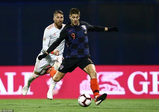 Dramaric mở tỷ số cho Croatia ở phút 54