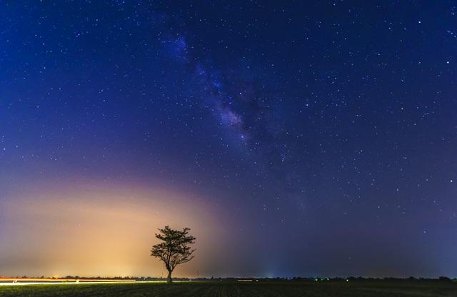 Bầu trời đêm và dải ngân hà