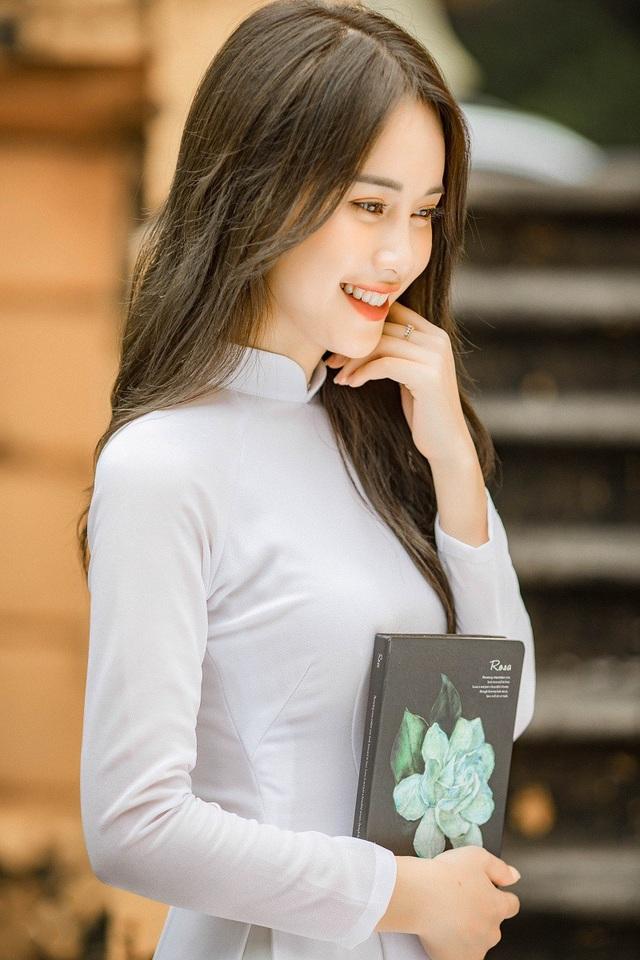 Bên cạnh đó, Mai Phương còn đạt danh hiệu Á khôi 2 Hoa khôi Ảnh Hà Nội, top 4 Gương mặt trang bìa Báo Hoa Học Trò.