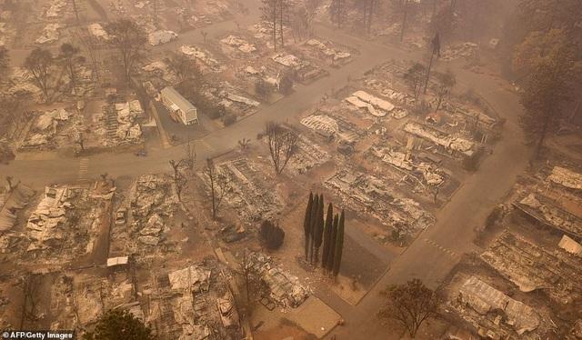 Thị trấn Paradise tan hoang như ngày tận thế (Ảnh: AFP)
