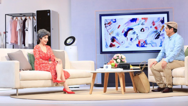 Các gia đình nghệ sỹ thích thú chia sẻ về các thiết bị điện tử gia dụng thông minh trong chương trình truyền hình trên HTV7