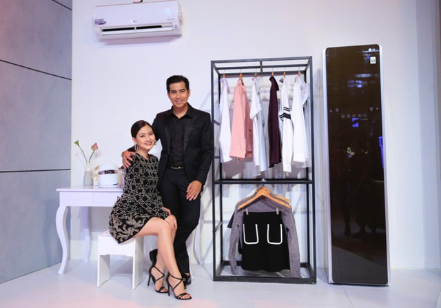Vợ chồng nghệ sỹ Ngọc Lan – Thanh Bình khoe chiếc tủ LG Styler hiếm có ở Việt Nam