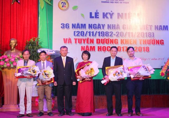 Các cá nhân, tập thể xuất sắc được tuyên dương trong Lễ kỷ niệm Ngày nhà giáo Việt Nam tại Trường ĐH Sư phạm Đà Nẵng
