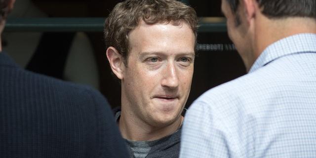 Mark Zuckerberg vẫn đang tiếp tục gặp khó khi phải đối mặt những lục đục nội bộ.