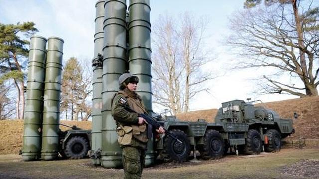 Các khẩu đội S-400 tham gia huấn luyện chiến thuật nhằm đối phó các cuộc tấn công từ các nhóm trinh sát tiềm năng. Ảnh: GETTY