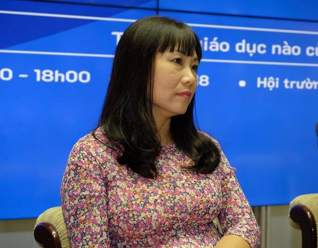 PGS.TS Nguyễn Thị Phương Hoa tâm tư vì giáo dục của chúng ta đang nhồi nhét quá nhiều, bỏ quên yếu tố bên trong của con người.