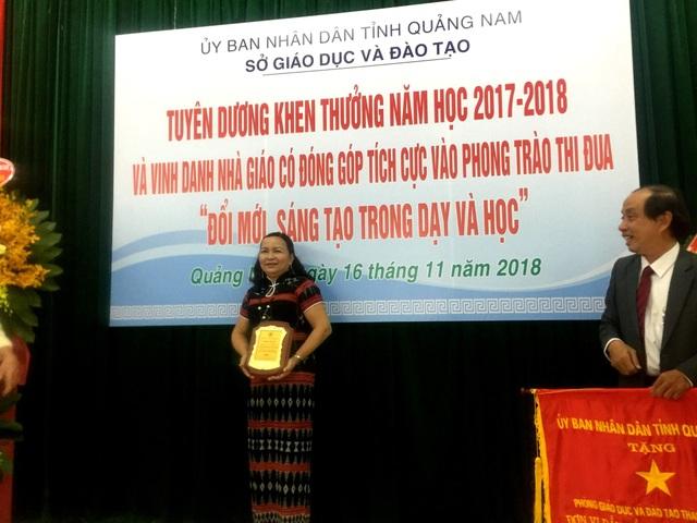 15 năm cống hiến cho trẻ em vùng cao, cô Liễu đã được ngành giáo dục vinh danh