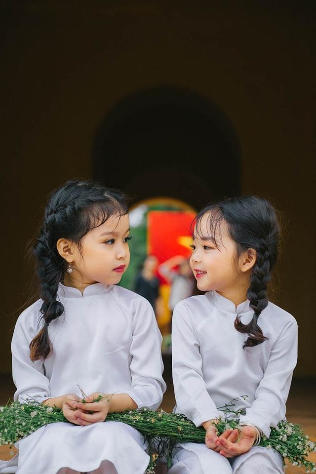 Cặp chị em mẫu giáo xinh như thiên thần - 9
