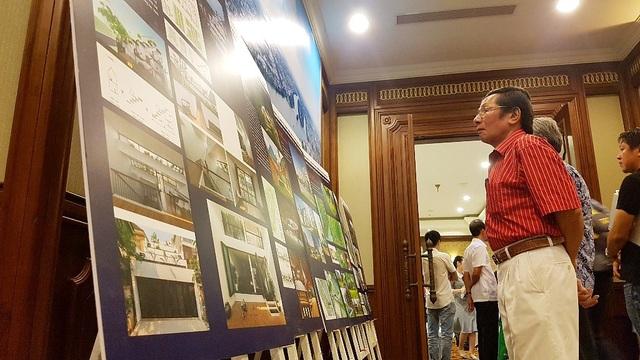 Các đại biểu chú ý đến nhiều mô hình kiến trúc thực tế, hiện đại và đáp ứng tiêu chí kiến trúc xanh