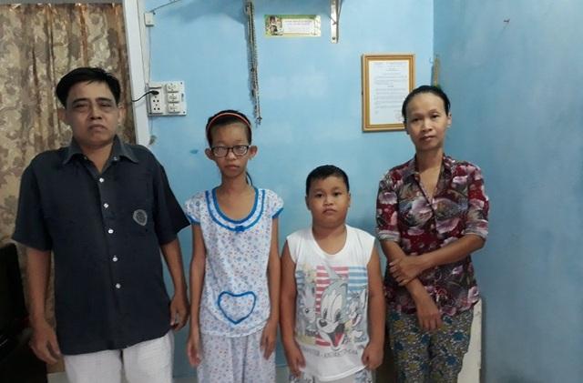 Gia đình anh Hậu 4 người thì có tới 3 người bị bệnh không tiền chữa trị