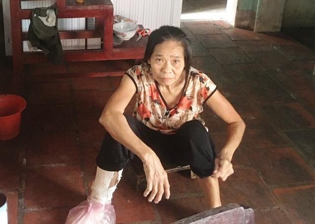 Bà Thắng bị bệnh thần kinh nên suốt ngày nói lảm nhảm.