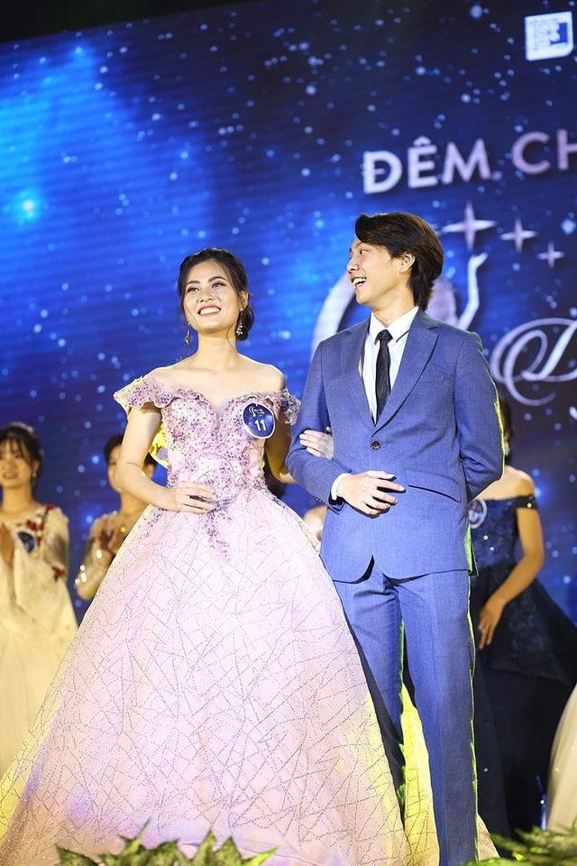 Giải Cặp đôi đẹp nhất được trao cho Bùi Thị Nguyệt Hạ cùng bạn diễn của mình.