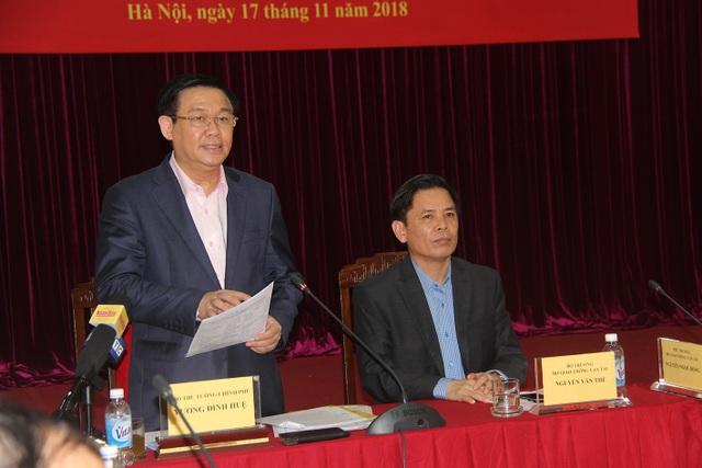 Phó Thủ tướng Vương Đình Huệ làm việc với lãnh đạo Bộ GTVT