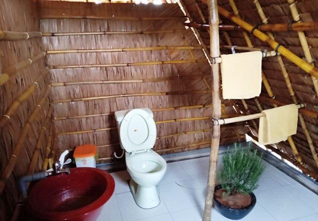 Phòng toilet cũng rất đặc biệt và thân thiện với môi trường