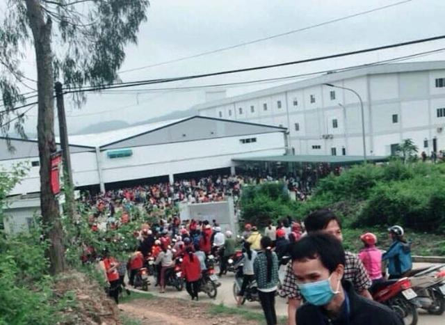 Hàng nghìn công nhân Công ty TNHH Ny Hoa Việt ngừng việc tập thể từ ngày 17/11.