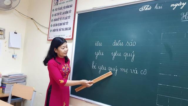 Mỗi lần đứng trên bục giảng, được nhìn thấy học trò khiến cô giáo Hằng quên đi số phận của mình.