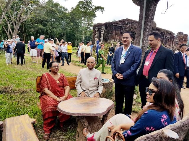 Tổng thống Ấn Độ và phu nhân dừng chân nghỉ ngơi ở Mỹ Sơn