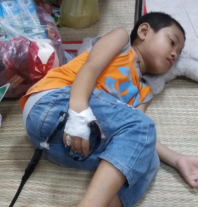 Mới 3 tuổi Phước Thiện đã phát bệnh u bướu nguyên bào thượng thận