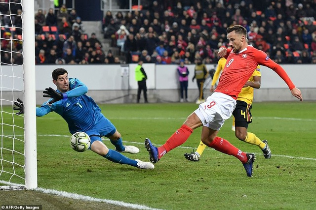 Seferovic đã lập hatttrick nhấn chìm đội tuyển Bỉ