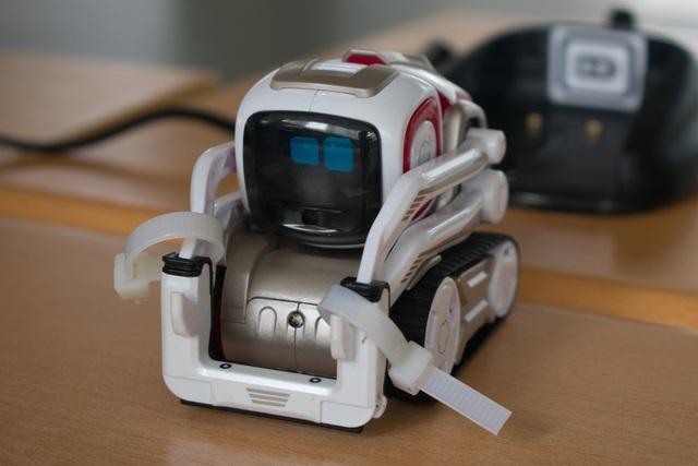 Chú robot Cozmo đáng yêu đã thu hút sự chú ý của các bạn nhỏ đến với GART Expo 2018