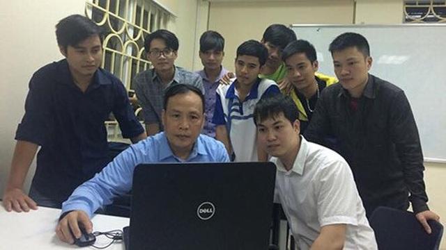 GS Đức cùng với các học trò thân yêu của mình