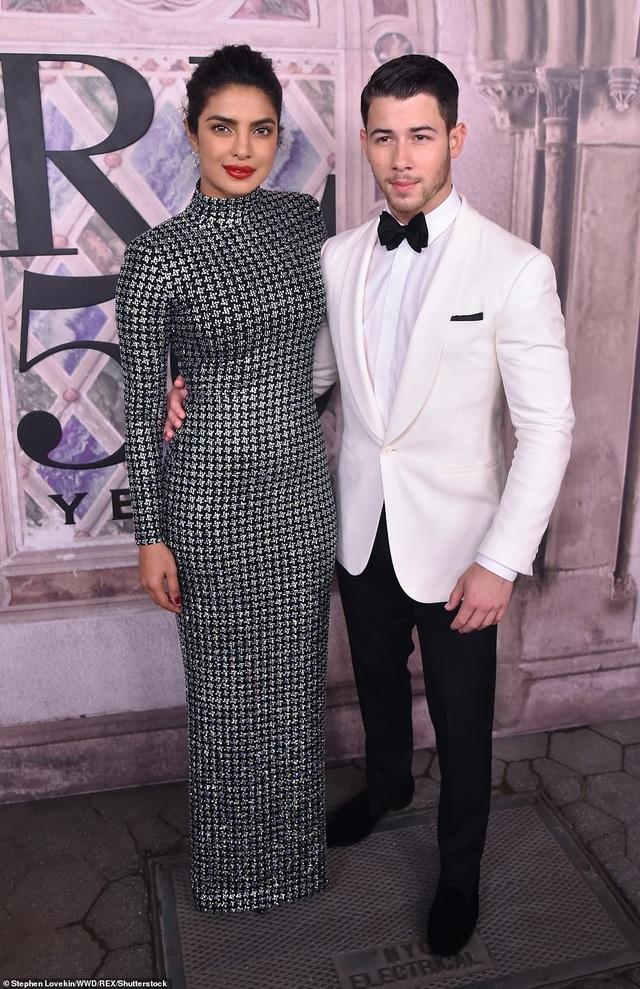 Hoa hậu Thế giới 2000 - Priyanka Chopra và nam ca sĩ người Mỹ Nick Jonas