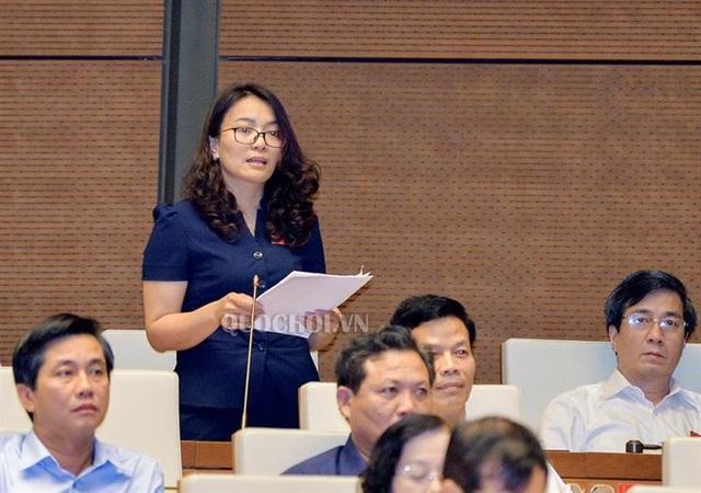 Đại biểu Hoàng Thị Thu Trang (Nghệ An).