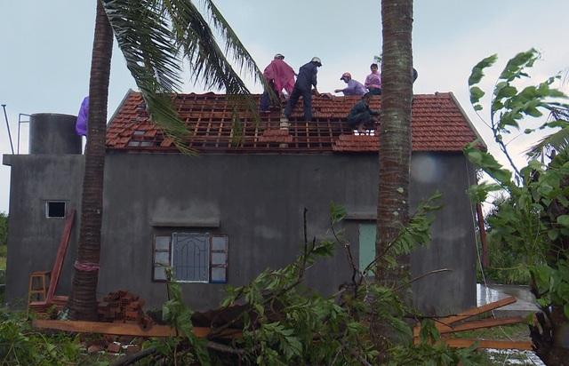 Người dân xã An Ninh Đông khắc phục nhà cửa