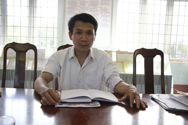Công tác tại vùng sâu vùng xa, thầy giáo Xin đã đến các buôn làng vận động học sinh đến trường