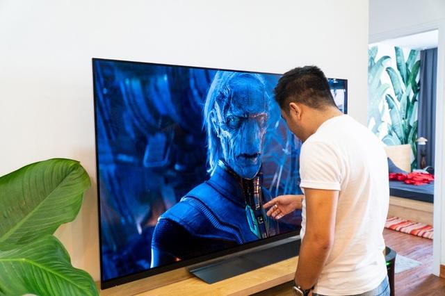 Công nghệ OLED giúp TV có màu đen sâu và nhiều chi tiết hơn.