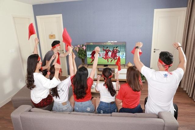 Bữa tiệc cổ vũ đội tuyển trước màn hình tivi tại nhà sẽ không kém phần sôi động và mãn nhãn với bộ đầu thu K+ HD phát trực tiếp trận đấu với tín hiệu vệ tinh HD sắc nét