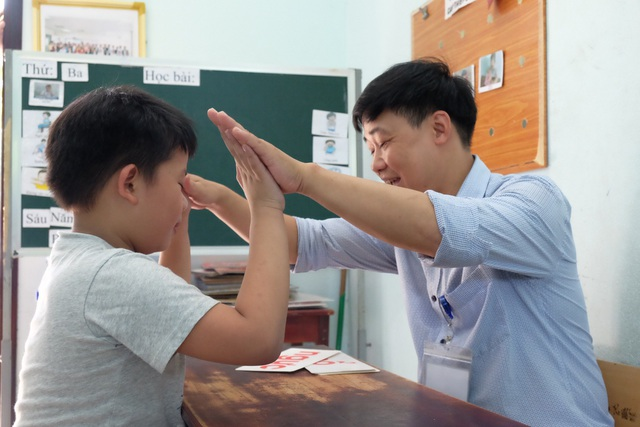 Một tiến bộ nho nhỏ của học trò cũng là một niềm vui với thầy Việt