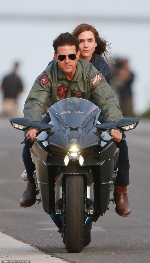 """Tom Cruise trên phim trường """"Top Gun 2"""""""