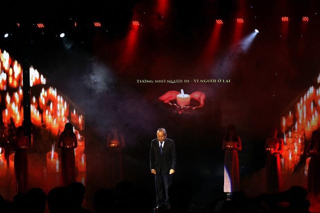 Phó Thủ tướng Chính phủ Trương Hòa Bình tại buổi Lễ tưởng niệm tối 18/11.