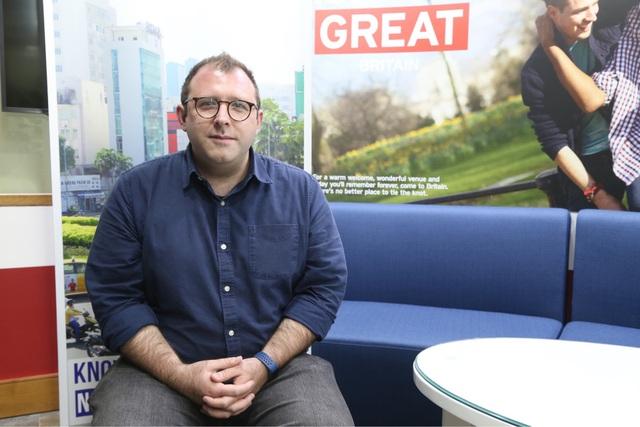 Ông Thom Townsend chia sẻ cách Anh Quốc chia sẻ dữ liệu chính phủ, để rồi đạt hiệu quả kinh tế cao.