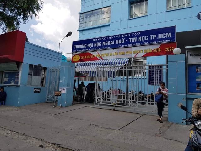 Trường ĐH Ngoại ngữ Tin học TPHCM
