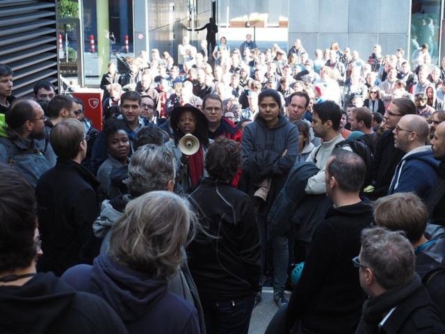 Chùm ảnh: Nhân viên Google tràn xuống đường biểu tình, phản đối nạn quấy rối tình dục - 15