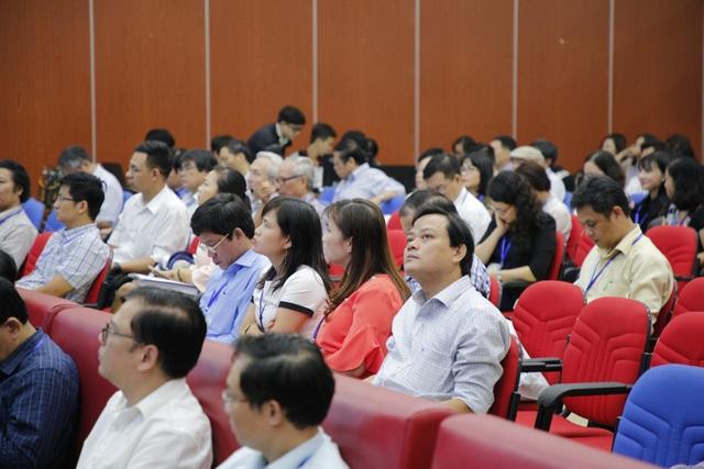Hội thảo có sự tham gia của đông đại biểu của các trường ĐH trong cả nước dự